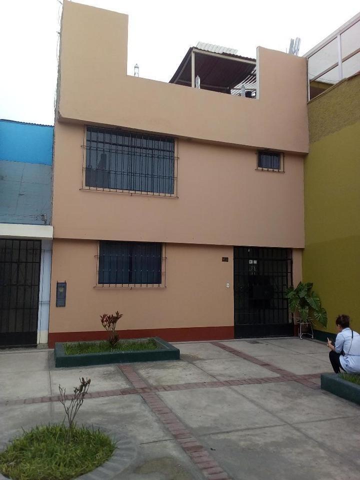 Venta de Casa en Santiago De Surco, Lima 149m2 area total - vista principal