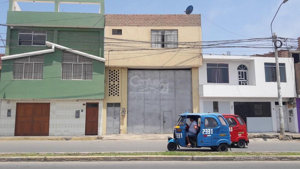 Venta de Local en Huacho, Lima con 4 baños