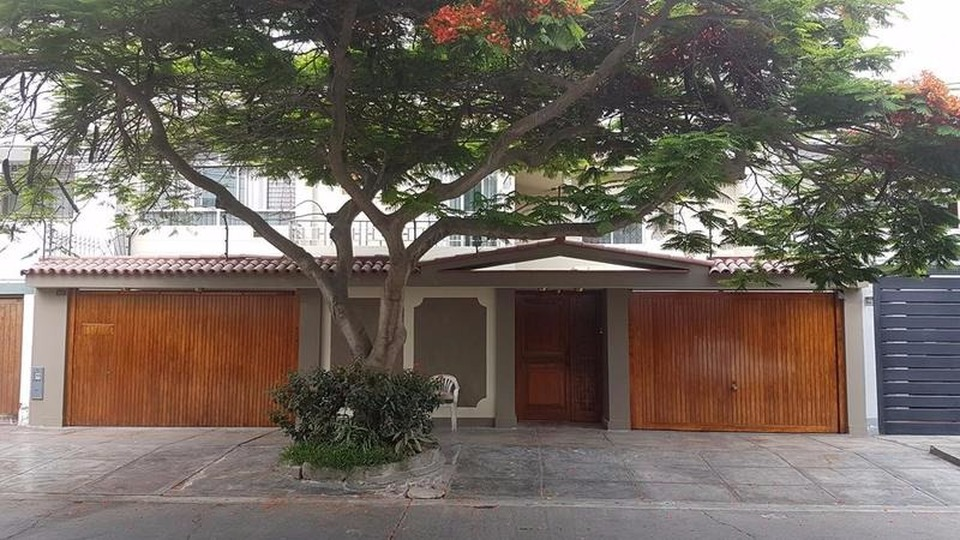 Venta de Casa en Santiago De Surco, Lima con 6 dormitorios - vista principal