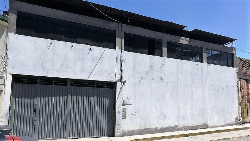 Alquiler de Local en Cerro Colorado, Arequipa - con 4 estacionamiento
