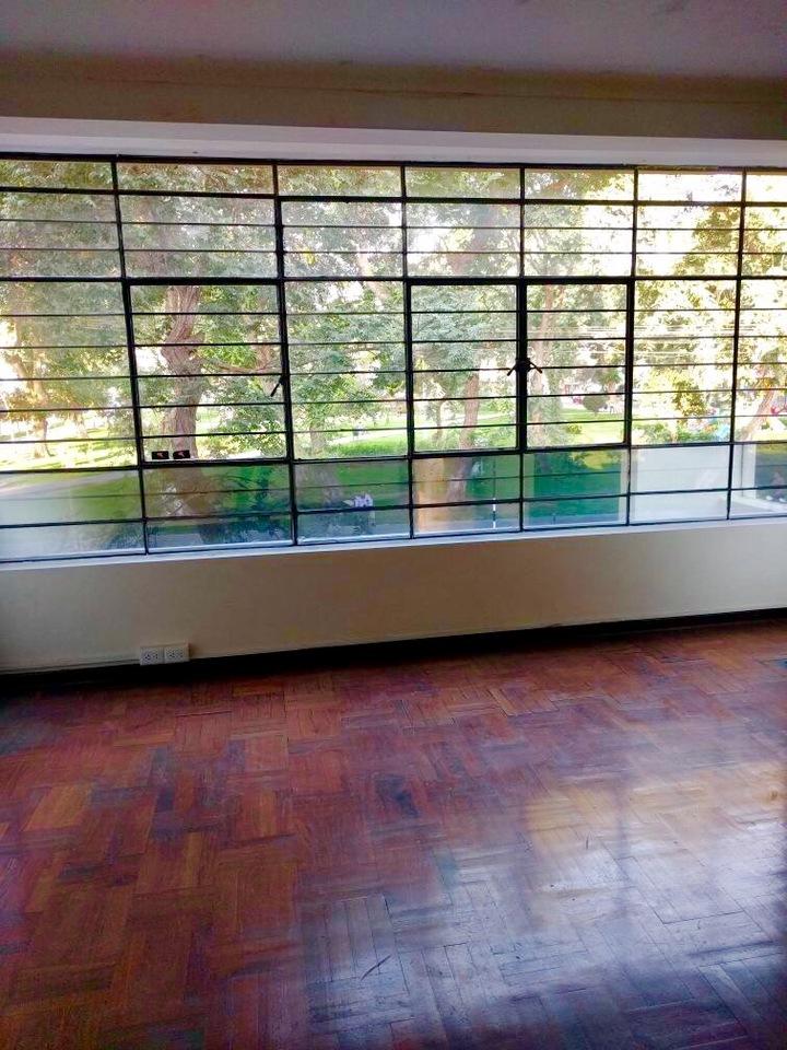 Alquiler de Oficina en Lince, Lima con 2 baños - vista principal