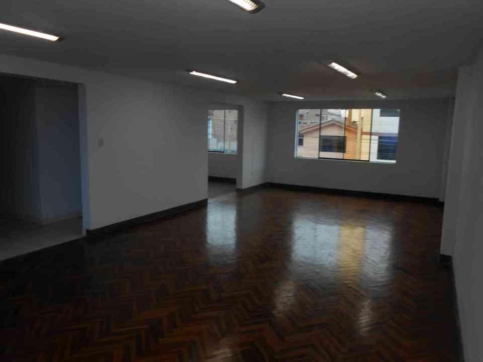 Alquiler de Oficina en San Juan De Miraflores, Lima 105m2 area total - vista principal
