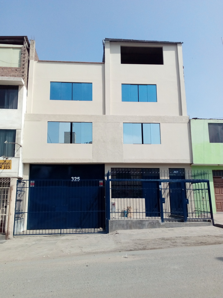 Alquiler de Local en San Juan De Miraflores, Lima con 3 baños