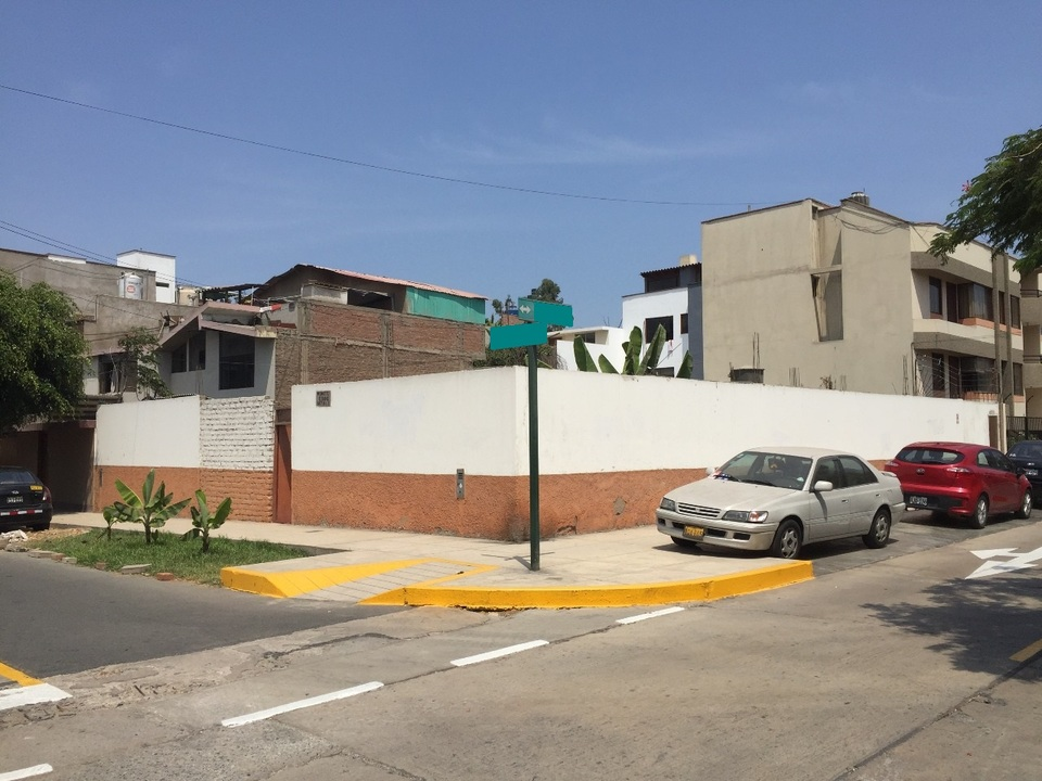 Venta de Terreno en Santiago De Surco, Lima 370m2 area total