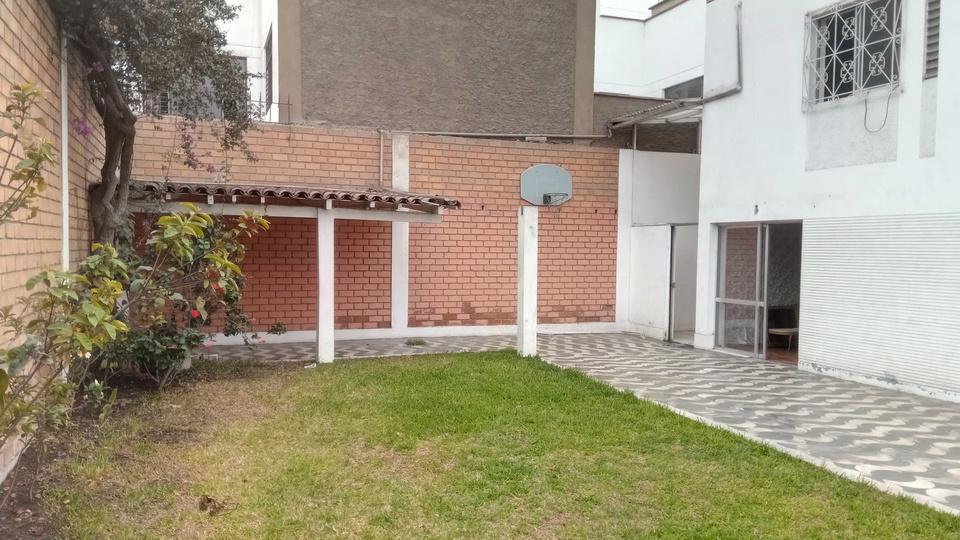 Venta de Casa en La Molina, Lima - de 2 pisos