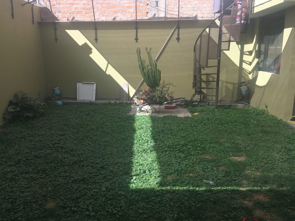 Venta de Casa en Jose Luis Bustamante Y Rivero, Arequipa - con 1 cuarto servicio