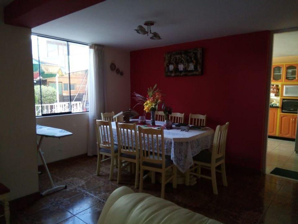 Venta de Casa en Paucarpata, Arequipa - con 4 baños