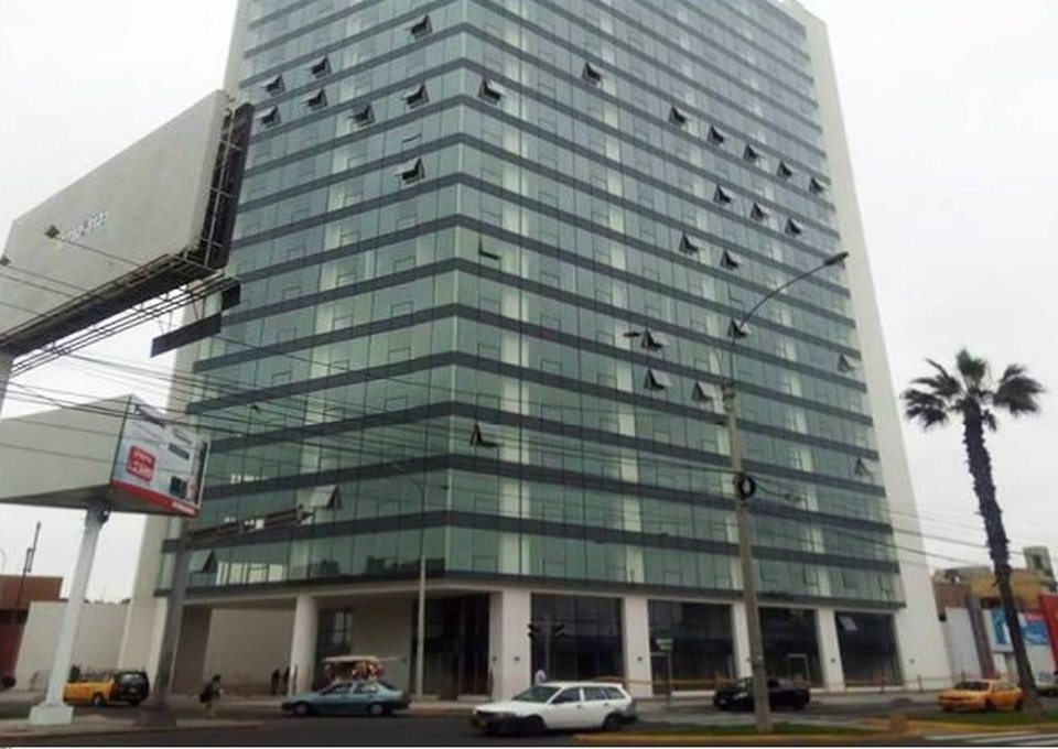 Alquiler de Oficina en Surquillo, Lima con 3 baños