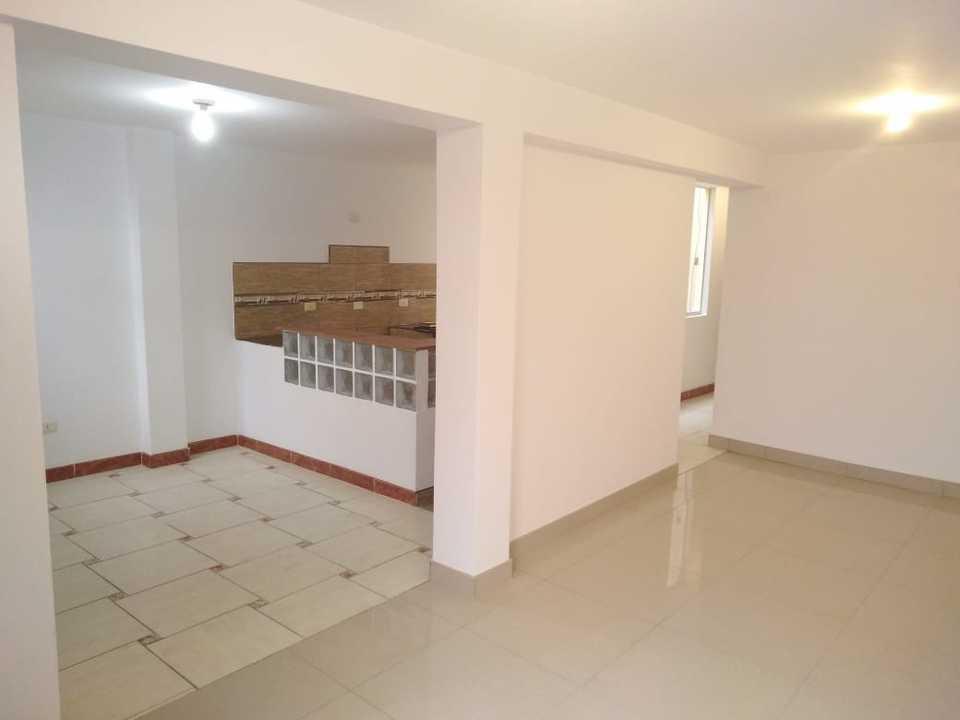 Venta de Departamento en Los Olivos, Lima - con 2 baños