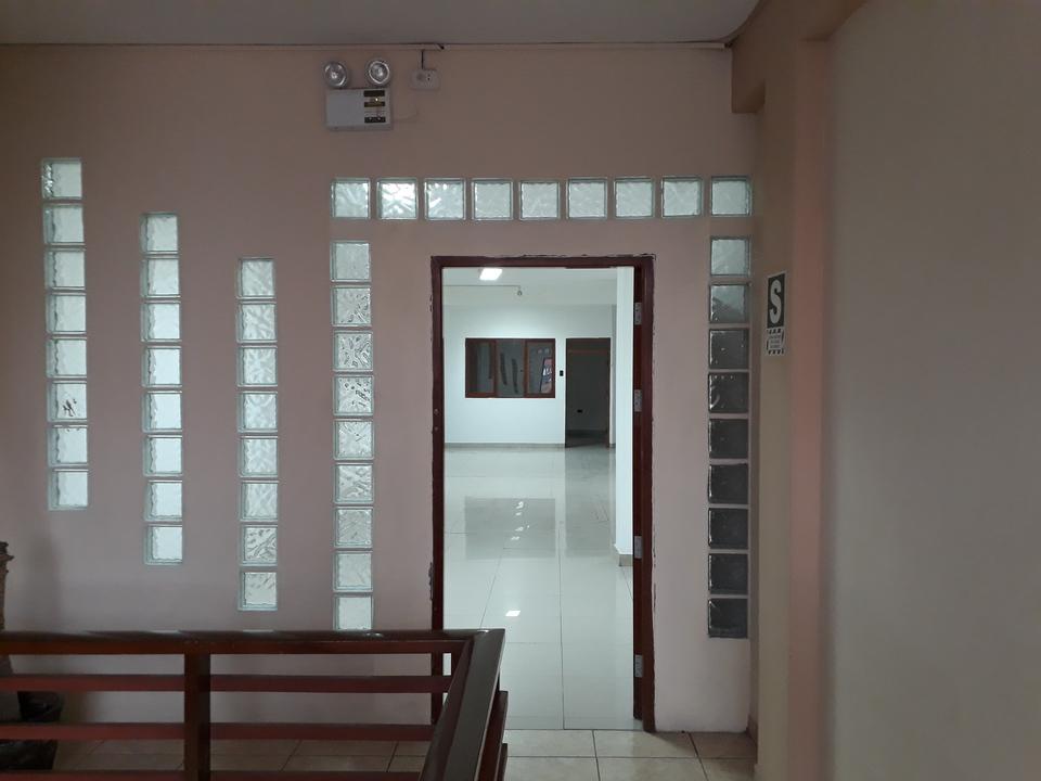 Alquiler de Oficina en Chiclayo, Lambayeque con 3 baños - vista principal