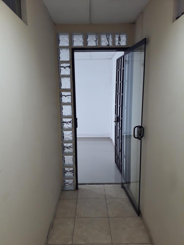 Alquiler de Oficina en Chiclayo, Lambayeque con 1 baño - vista principal