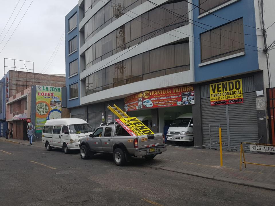 Venta de Local en Miraflores, Arequipa - con 1 estacionamiento