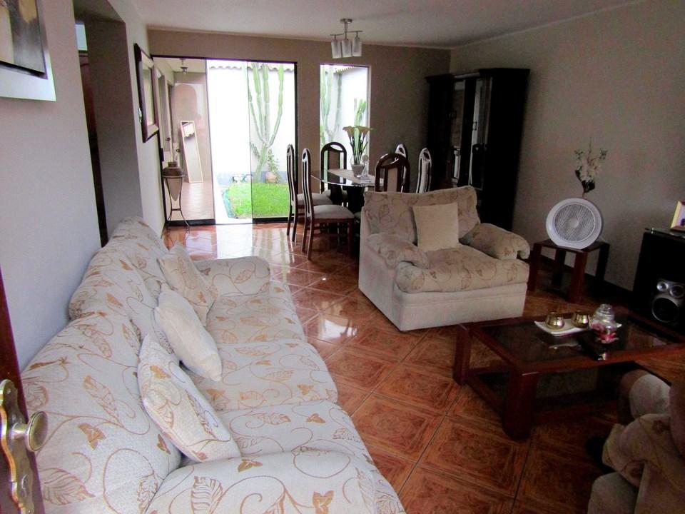 Venta de Casa en San Juan De Miraflores, Lima con 2 dormitorios