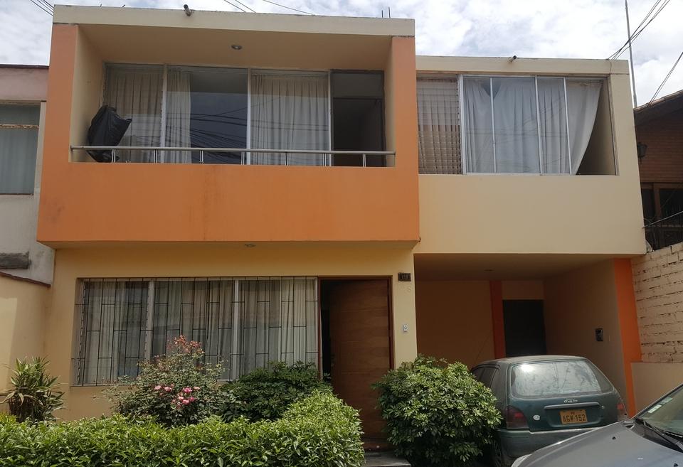 Venta de Casa en Chorrillos, Lima con 4 dormitorios