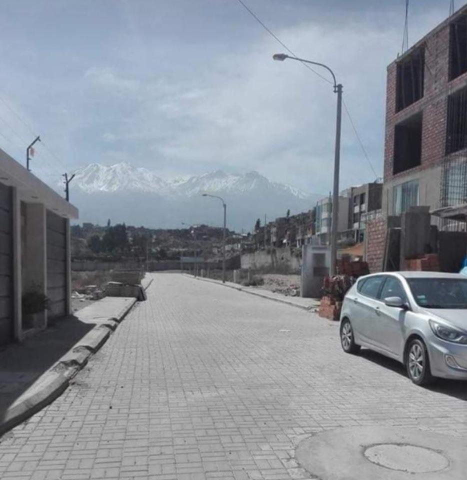 Venta de Terreno en Cayma, Arequipa - 18 metros fondo