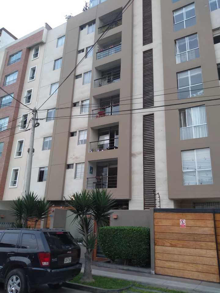 Venta de Departamento en Surquillo, Lima con 2 dormitorios