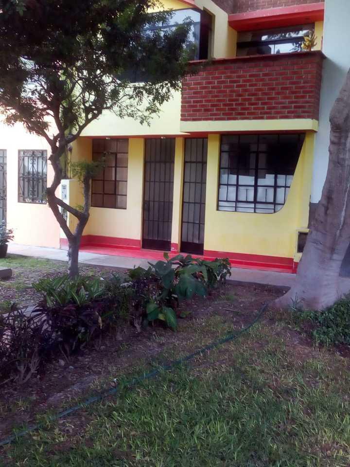 Venta de Local en Santiago De Surco, Lima con 2 baños - vista principal