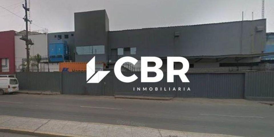 Venta de Local en Lima con 6 baños con 1 estacionamiento