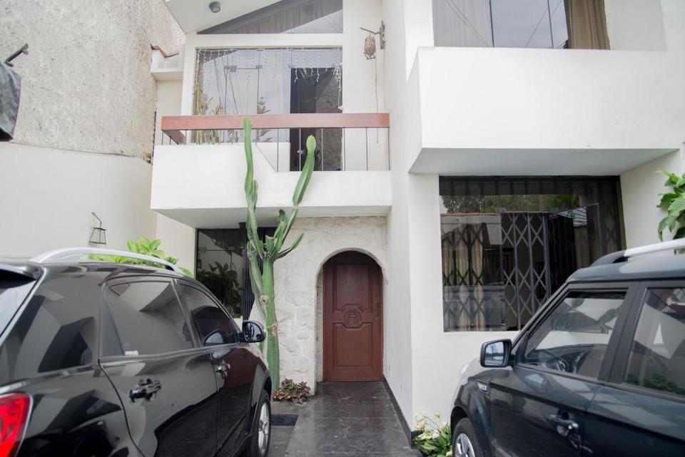 Venta de Casa en Santiago De Surco, Lima con 8 dormitorios - vista principal