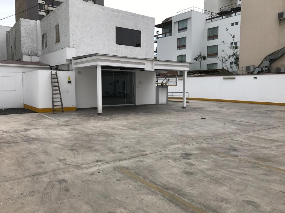 Alquiler de Local en San Isidro, Lima con 4 baños