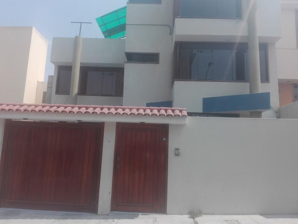Alquiler de Casa en Cayma, Arequipa con 3 dormitorios - vista principal