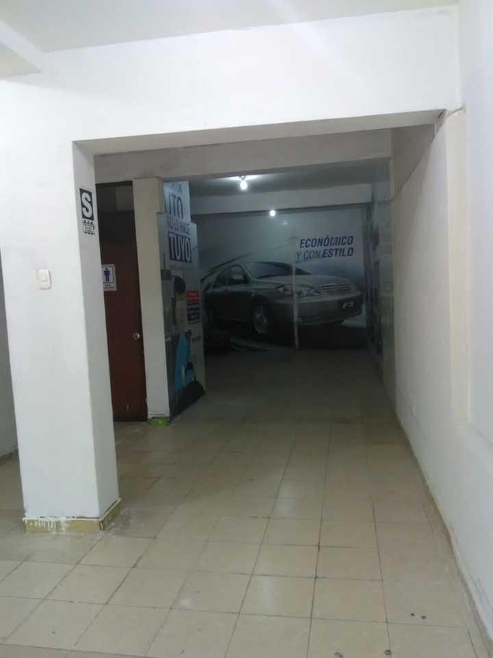 Alquiler de Local en Villa Maria Del Triunfo, Lima con 2 baños