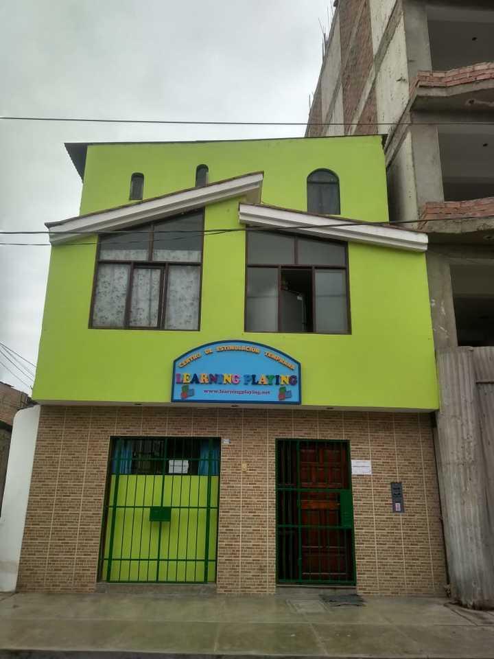 Venta de Casa en Villa Maria Del Triunfo, Lima con 6 dormitorios