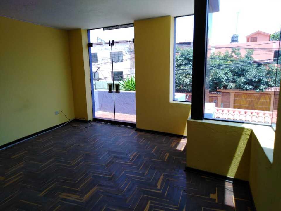 Venta de Casa en Cayma, Arequipa con 5 dormitorios