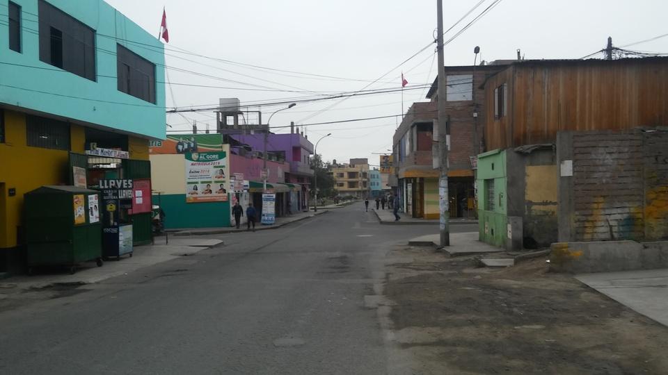 Venta de Local en Comas, Lima con 2 baños