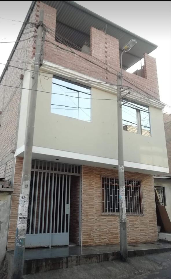 Venta de Casa en San Juan De Lurigancho, Lima con 5 dormitorios