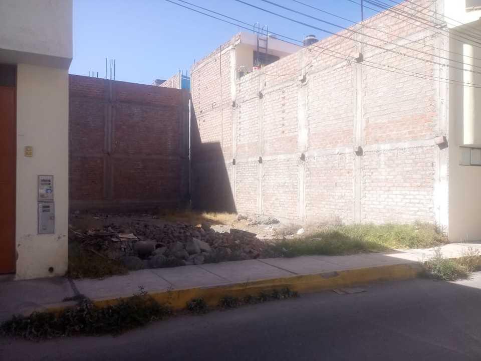 Venta de Terreno en Arequipa 120m2 area total - vista principal