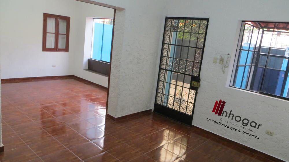 Venta de Local en Arequipa con 6 baños - con vista urbano