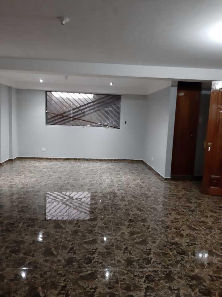 Venta de Casa en Santiago, Cusco con 5 dormitorios