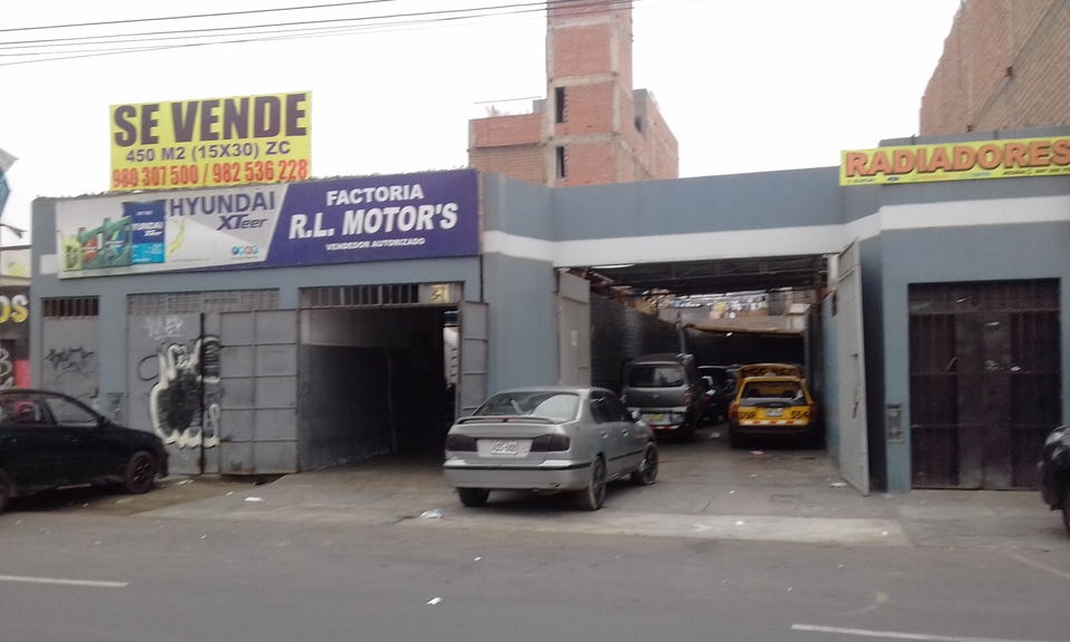 Venta de Local en Los Olivos, Lima 450m2 area total