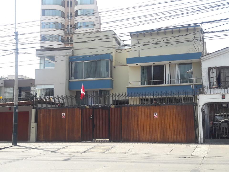 Venta de Casa en San Isidro, Lima con 15 dormitorios