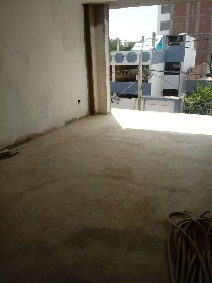 Venta de Casa en Paucarpata, Arequipa - con 1 estacionamiento