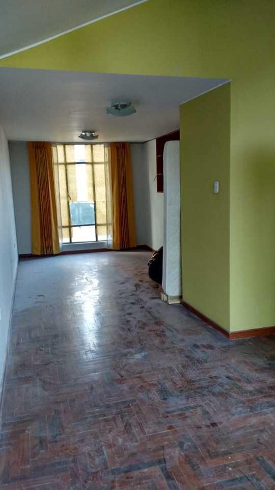 Venta de Casa en Arequipa con 4 dormitorios - con jardín