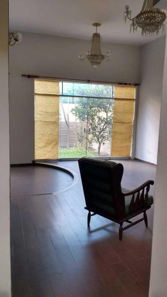 Venta de Casa en Arequipa con 4 dormitorios - con lavandería