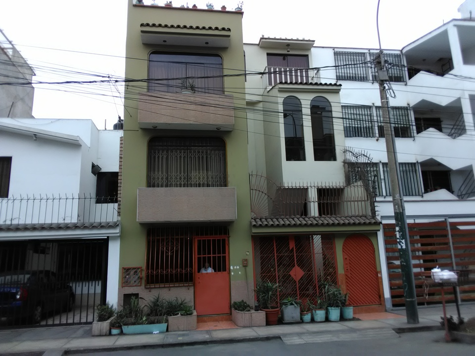Alquiler de Habitación en Santiago De Surco, Lima con 1 baño