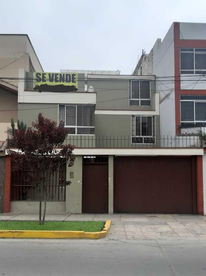 Venta de Casa en San Miguel, Lima con 6 dormitorios