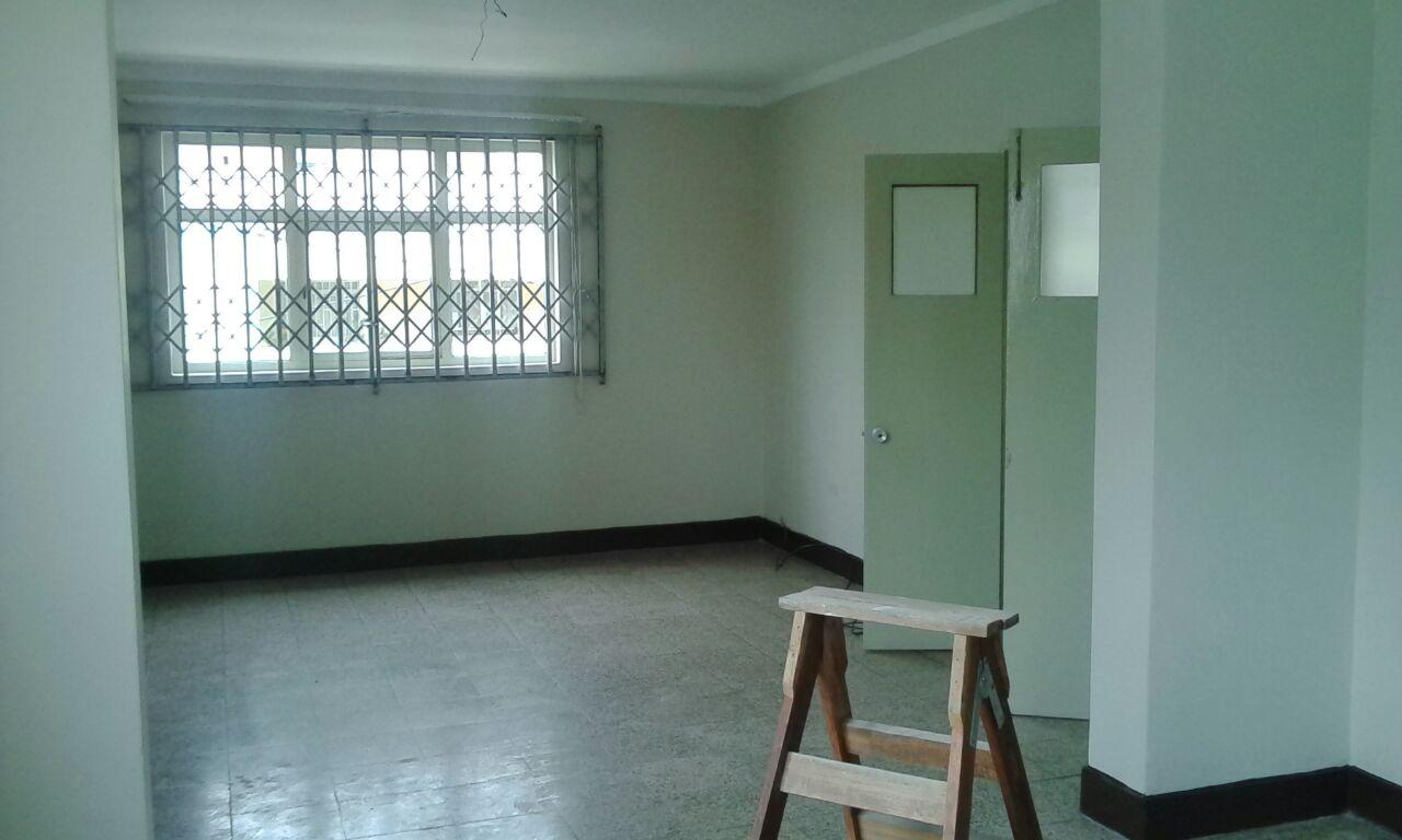 Alquiler de Casa en Lima con 2 baños 180m2 area total - vista principal