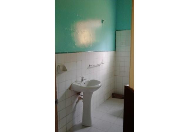 Alquiler de Casa en Lima con 2 baños - con vista urbano