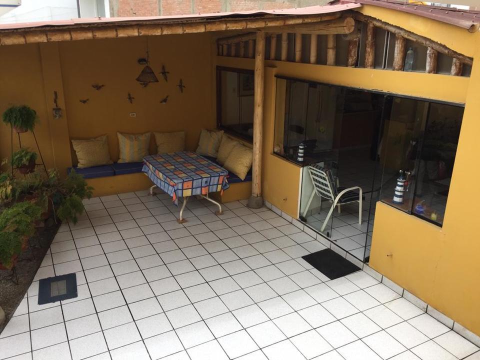 Venta de Casa en Lurin, Lima con 4 baños