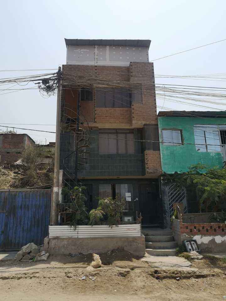 Venta de Casa en Villa Maria Del Triunfo, Lima con 3 dormitorios