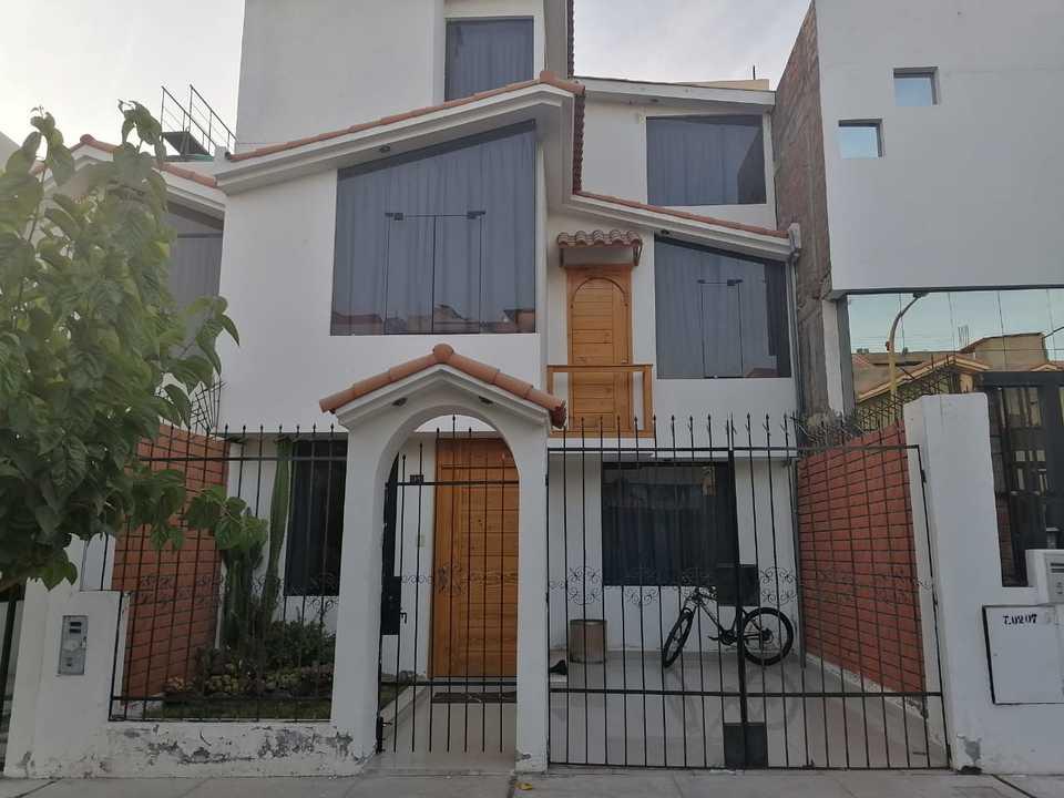Venta de Casa en Sachaca, Arequipa con 6 dormitorios