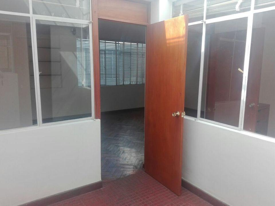 Alquiler de Local en Arequipa con 1 baño - en el segundo piso