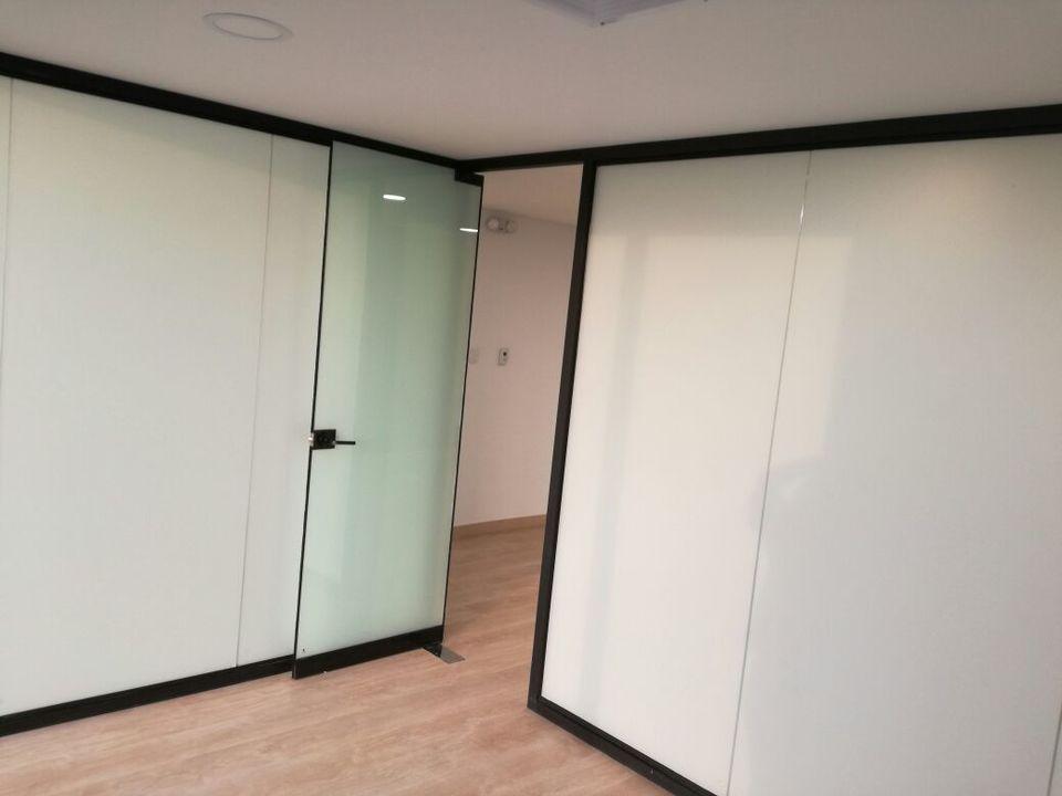 Alquiler de Oficina en Lima con 3 baños amoblado - vista principal