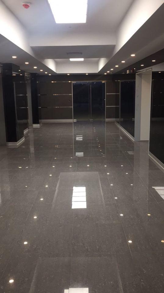 Alquiler de Oficina en Lima con 18 baños - con comedor