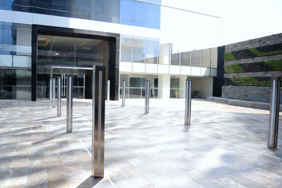 Alquiler de Oficina en Lima con 18 baños - estado Preventa entrega inmediata