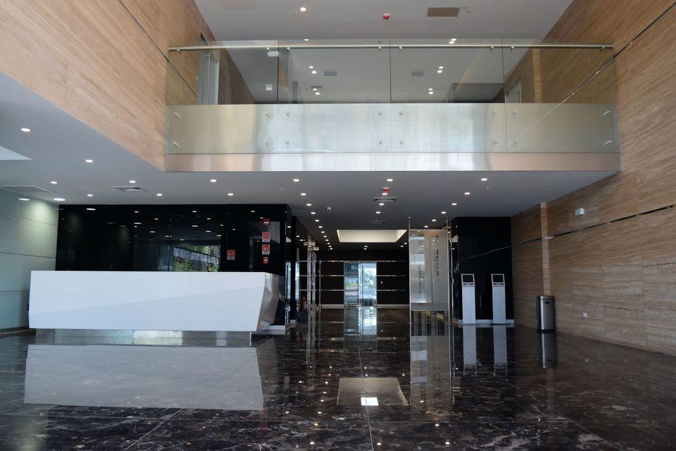Alquiler de Oficina en Lima con 18 baños -vista 7